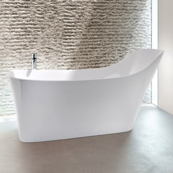 Supported back bath and beige tiles
